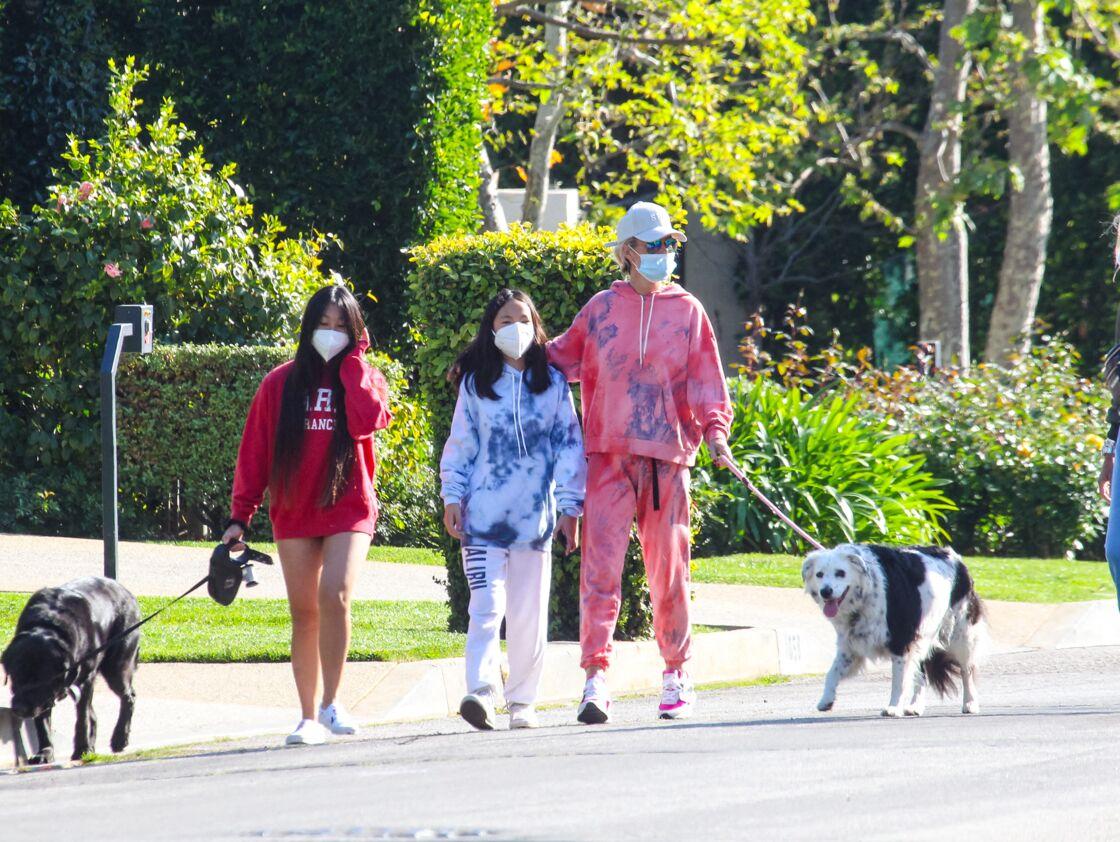 Laeticia Hallyday et ses filles Jade et Joy Hallyday à Los Angeles,  en avril 2020