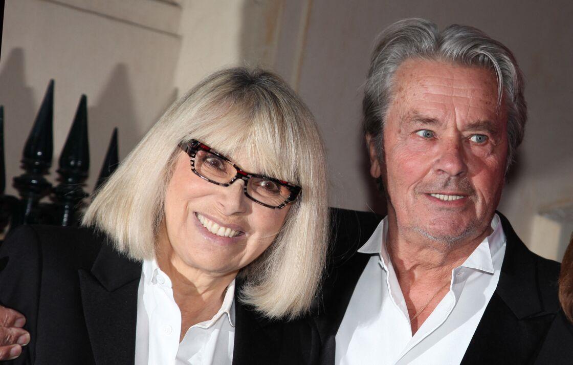 Mireille Darc et Alain Delon en 2012