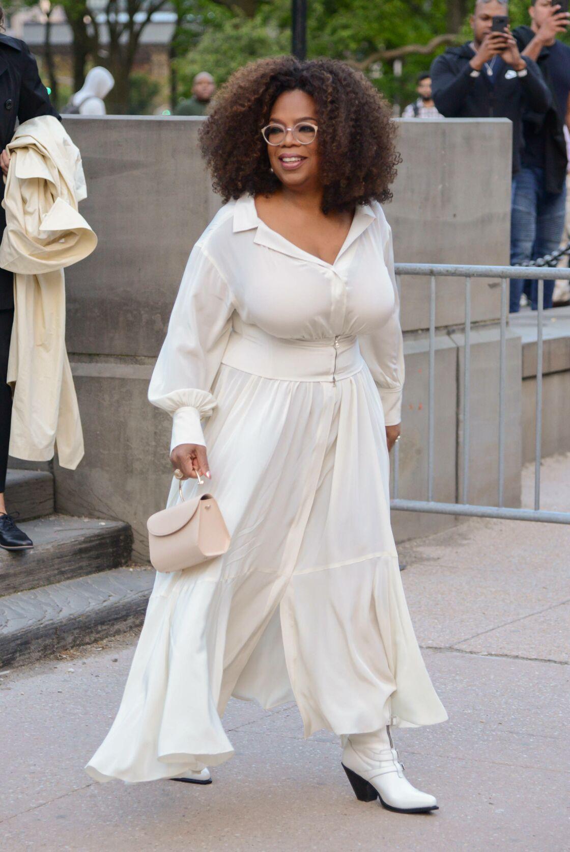 Oprah Winfrey sublime dans ses rondeurs.