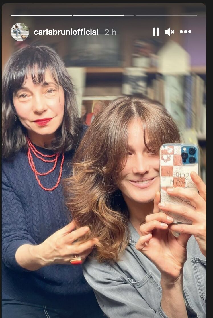 Carla Bruni et son joli brushing réalisé par Madeleine Cofano