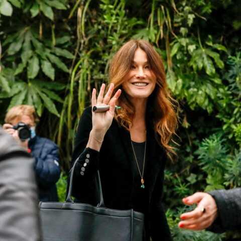 PHOTO – Carla Bruni a coupé ses cheveux: elle s'offre une nouvelle tête et un joli brushing