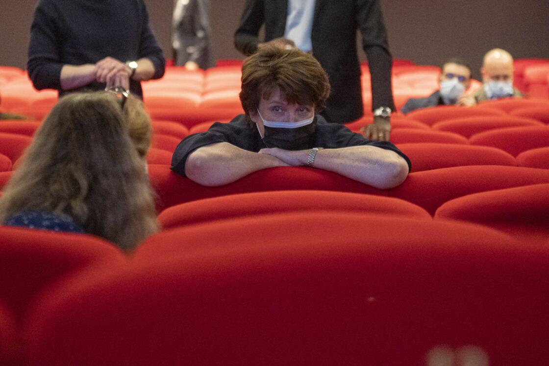 Roselyne Bachelot, au cinéma Les 7 Parnassiens, à Paris, pour la réouverture des cinémas, le 19 mai 2021