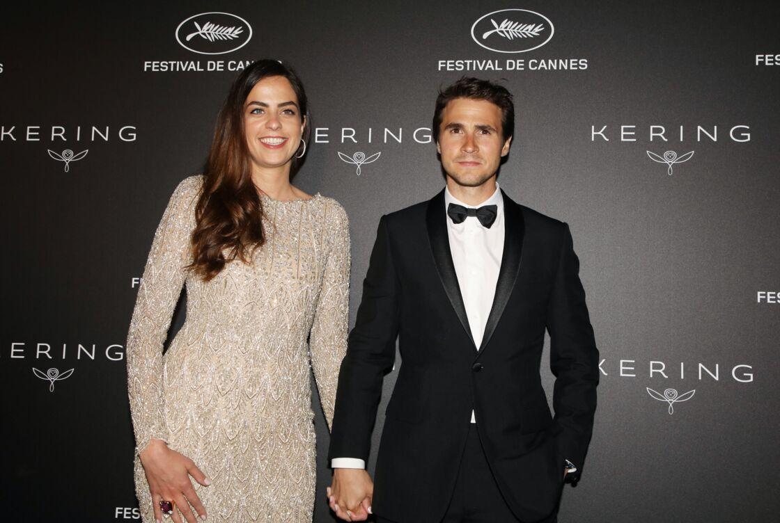 Anouchka Delon et Julien Dereims, lors d'un photocall au 72ème Festival International du Film de Cannes, le 19 mai 2019.