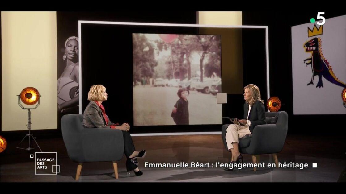 Emmanuelle Béart et Claire Chazal sur le plateau du Passage des Arts