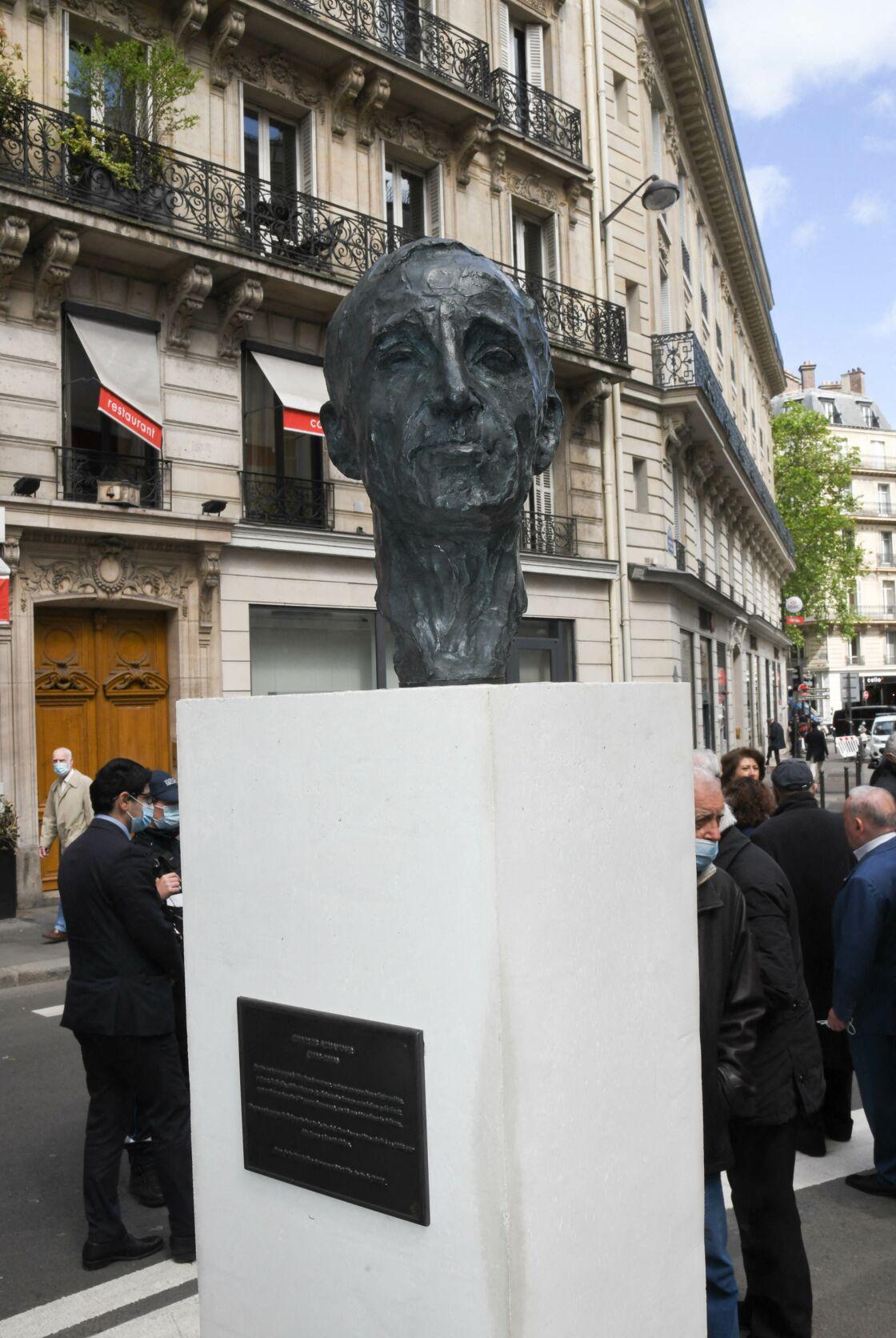 Le buste de Charles Aznavour a été inauguré au carrefour de l'Odéon dans le 6e arrondissement de Paris