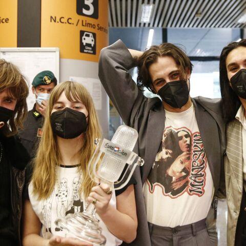 PHOTOS – Sourires et joie, Måneskin de retour en Italie! Les accusations de drogue déjà loin?