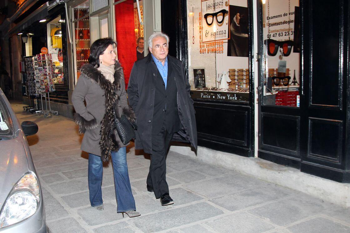 Dominique Strass-Kahn et Anne Sinclair, à Pairs, le 26 novembre 2011.
