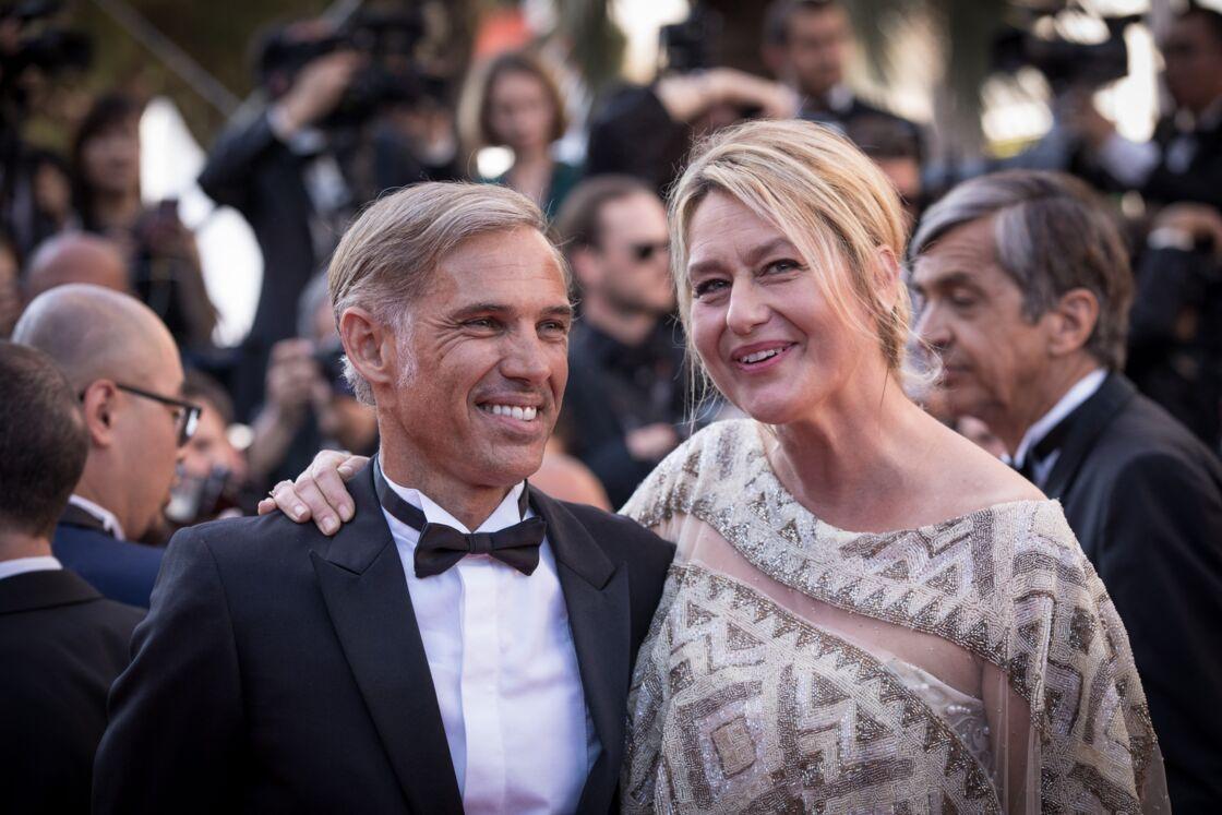 Paul Belmondo et sa femme Luana - Montée des marches de la cérémonie de clôture du 70ème Festival International du Film de Cannes.