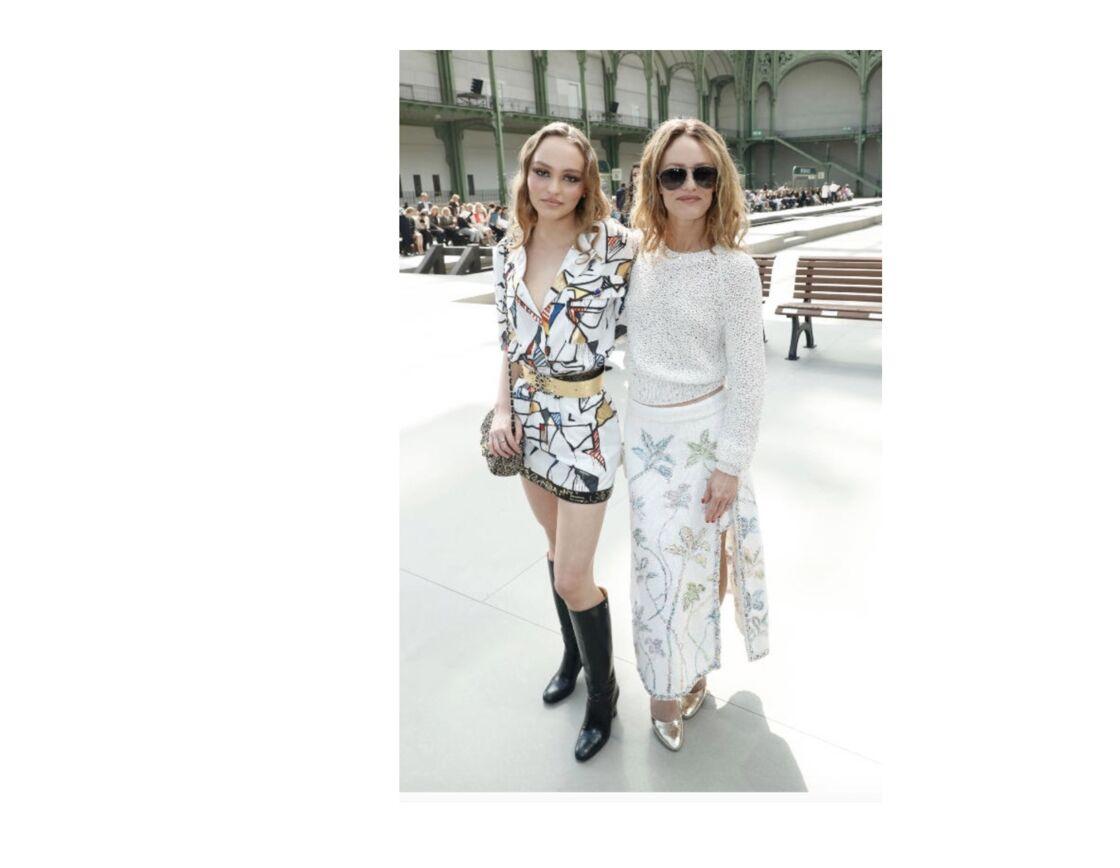 Lily-Rose Deep et Vanessa Paradis au show Chanel Cruise Collection 2020 au Grand Palais