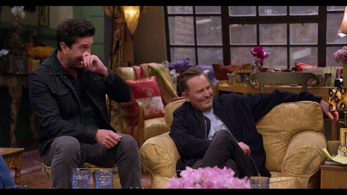 David Schwimmer et Matthew Perry lors des retrouvailles du casting de la série Friends