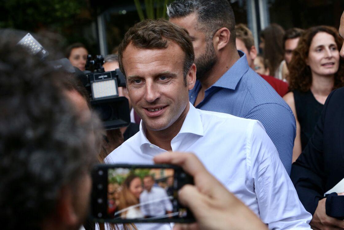 Le président de la république Emmanuel Macron est venu prendre un bain de foule surprise à Bormes-les-Mimosas le 27 juillet 2019.