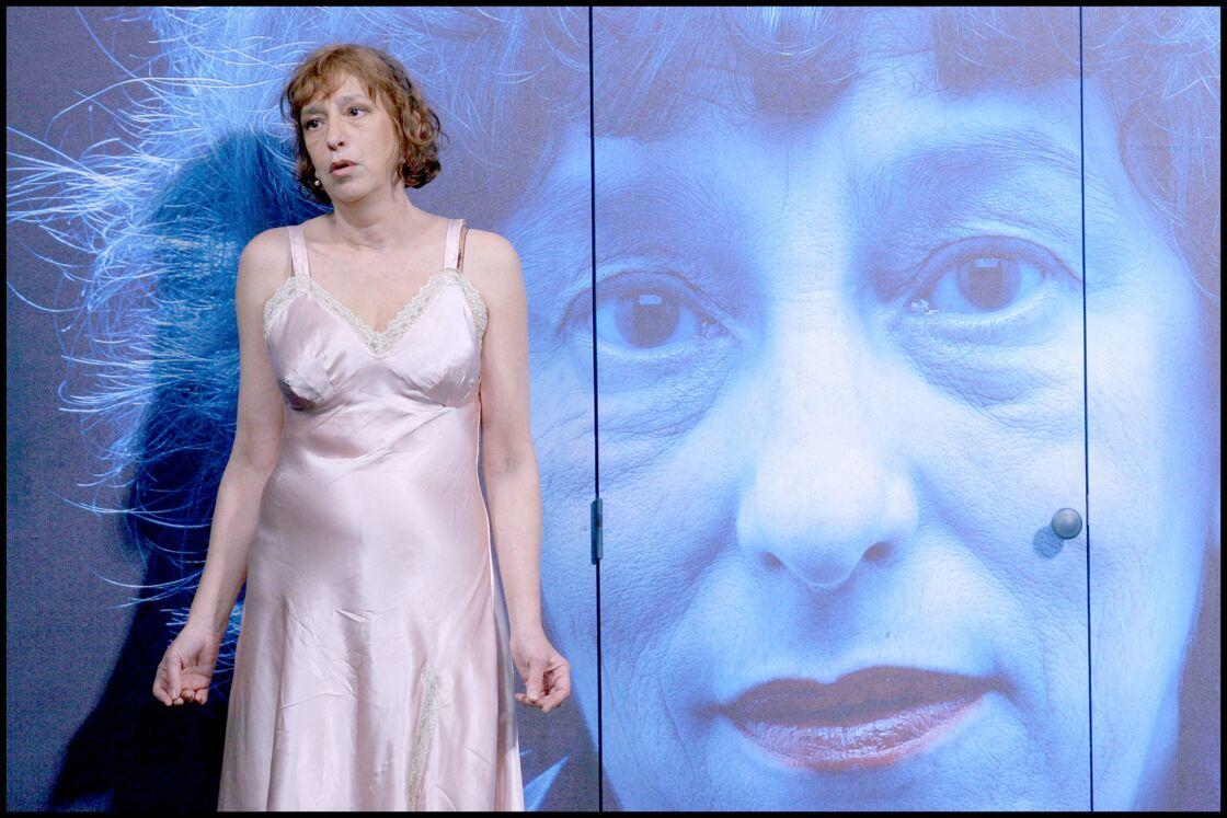 Anémone : Filage de la pièce ' MADEMOISELLE WERGNER ' au théâtre des Variétés