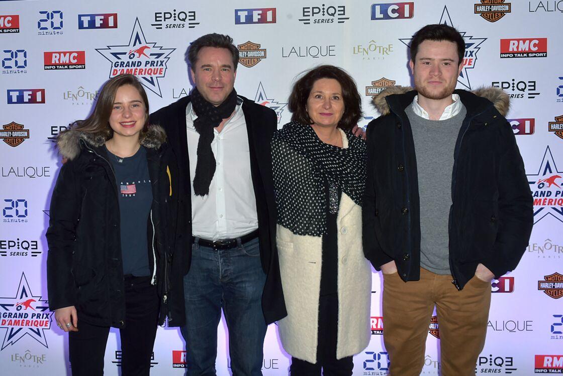 Guillaume de Tonquédec, avec son épouse Christèle, et leurs enfants, Victoire et Amaury, à la 97ème édition du Grand Prix d'Amérique à l'hippodrome de Vincennes à Paris, le 28 janvier 2018.