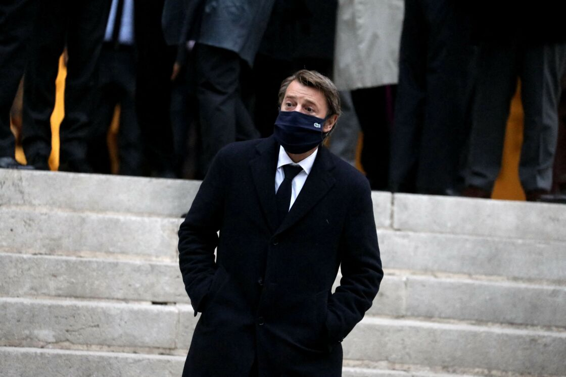 François Baroin - Une messe du souvenir en hommage à Jacques Chirac, décédé il y a un an ( toutes les personnalités portaient un masque en raison de l'épidémie de Coronavirus Covid-19) , a été célébrée en l'église Saint-Gervais de Paris, le 25 Septembre 2020.