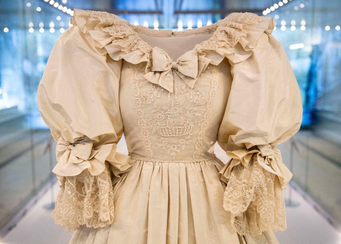 La robe de mariée de Lady Diana devait être incroyable et exagérée pour ne pas être copiée