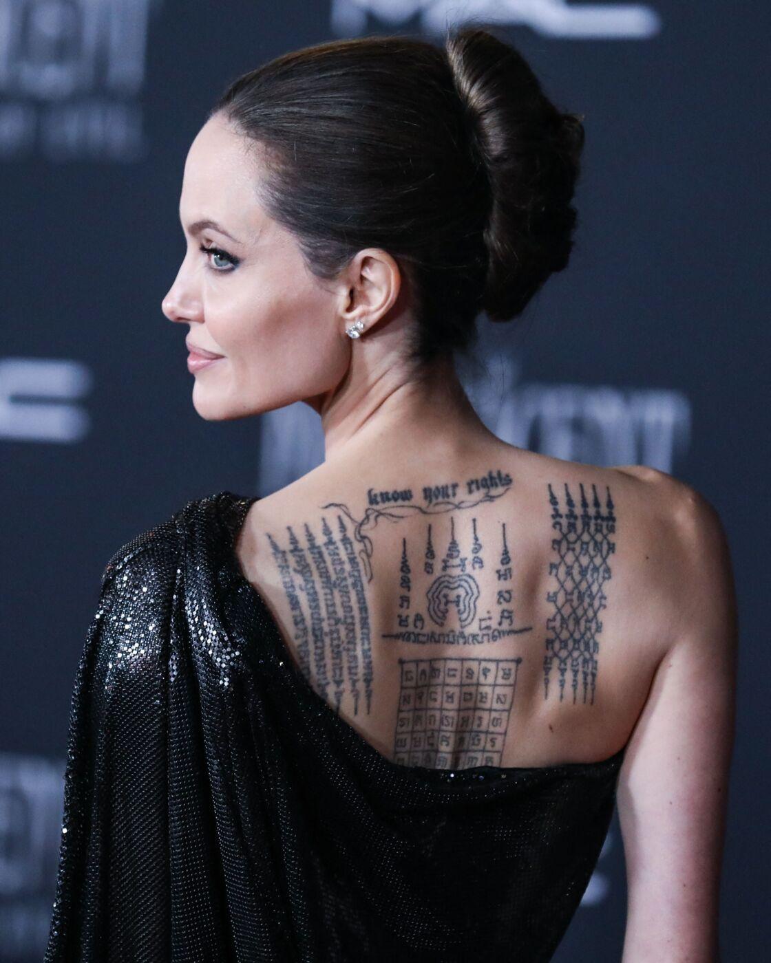Angelina Jolie et ses nombreux tatouages