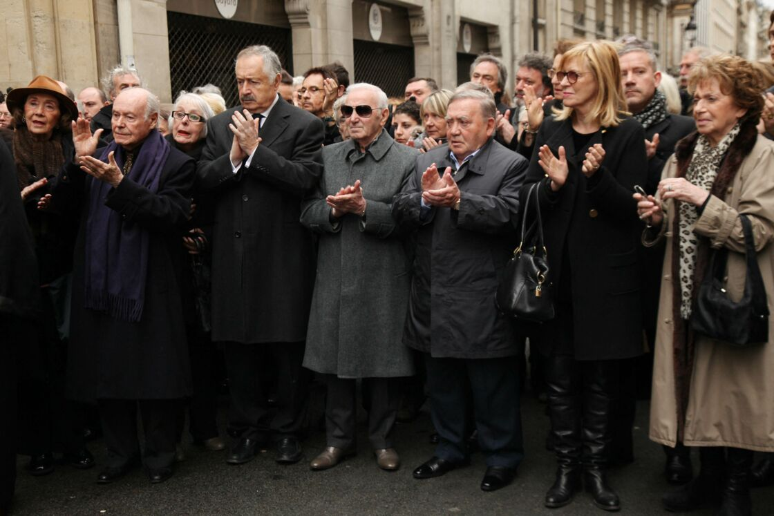 Le 19 janvier 2012, Charles Aznavour (au centre), Lévon Sayan et Chantal Ladesou ont rendu un dernier hommage à Rosy Varte.