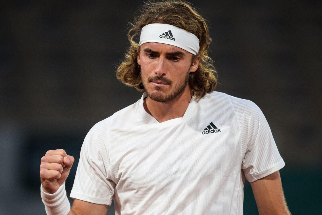 Stefanos Tsitsipas lors du 3ème tour simples Messieurs des Internationaux de France de tennis de Roland Garros, à Paris, France, le 4 juin 2021.