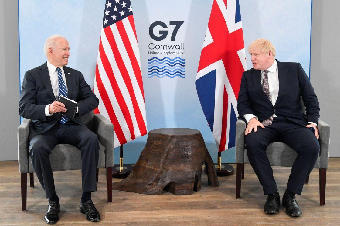 Le président américain Joe Biden s'entretient avec le Premier ministre, Boris Johnson