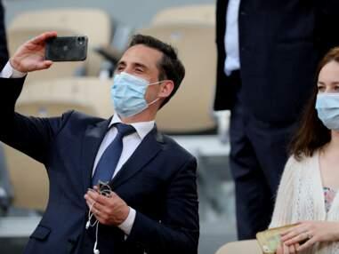 PHOTOS - Jean-Baptiste Djebbari et sa compagne à Roland Garros