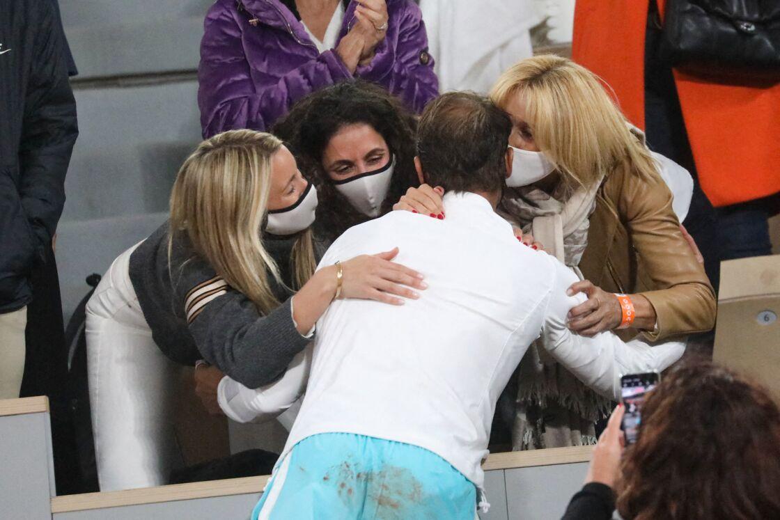Rafael Nadal avec sa soeur, sa femme et sa mère en 2020