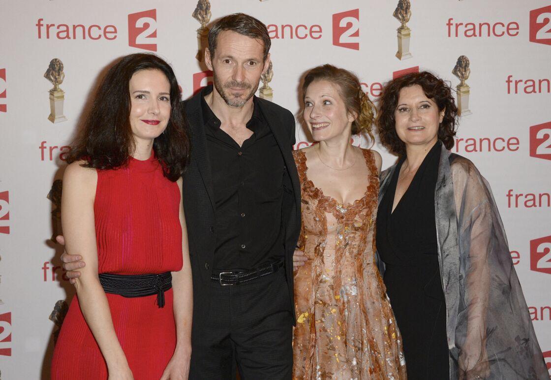 Chloé Lambert, Julien Boisselier, Ophélia Kolb et Raphaëline Goupilleau, lors de la soirée de la 28ème Nuit des Molières, au théâtre des Folies Bergère, à Paris, le 23 mai 2016.