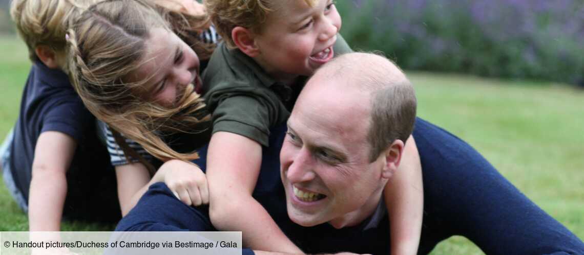 Une photo inédite de William papa poule avec George, Louis et Charlotte dévoilée, les fans des Cambridge exultent! - Gala