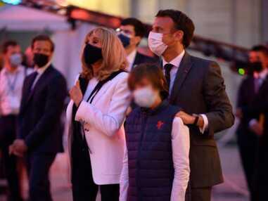PHOTOS - Brigitte Macron en baskets renoue avec son accessoire de mode fétiche