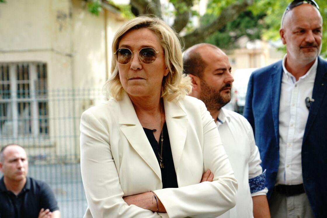 Marine Le Pen (présidente du rassemblement National) - Marine Le Pen visite l'école nationale des scaphandriers à Fréjus le 17 juin 2021