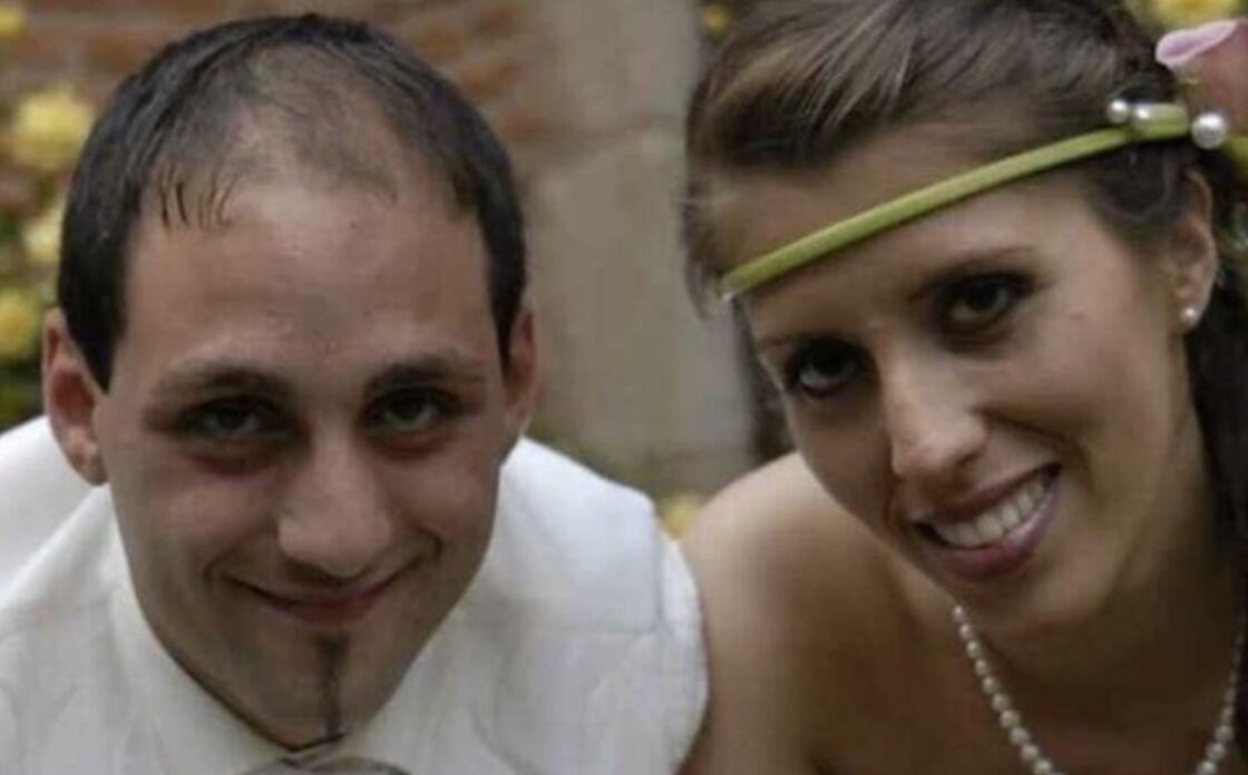 Cédric et Delphine Jubillar prenant la pose lors de leur mariage en juin 2013.