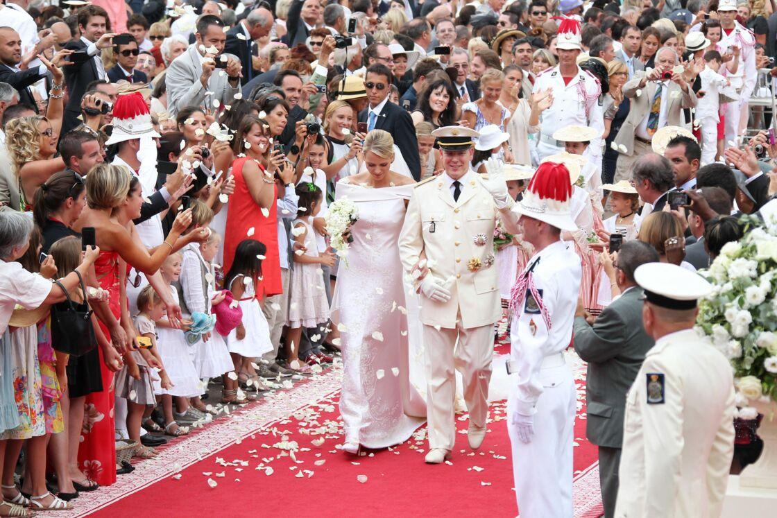 Le prince Albert et Charlene de Monaco ont fait un mariage civil le 1er juillet 2011 et un mariage religieux le 2 juillet 2011.