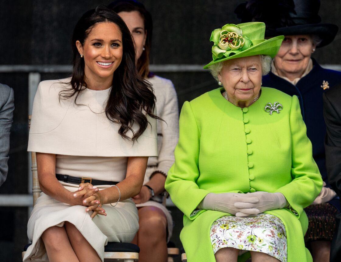 Meghan Markle, duchesse de Sussex, effectue son premier déplacement officiel avec la reine Elisabeth II d'Angleterre, lors de la visite du Catalyst Museum à Widnes, le 14 juin 2018.