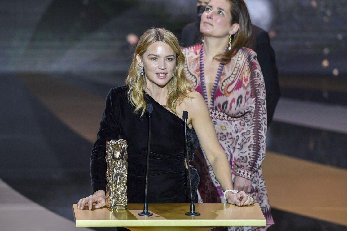 Virginie Efira sur scène lors de la 46ème cérémonie des César à l'Olympia à Paris le 12 mars 2020