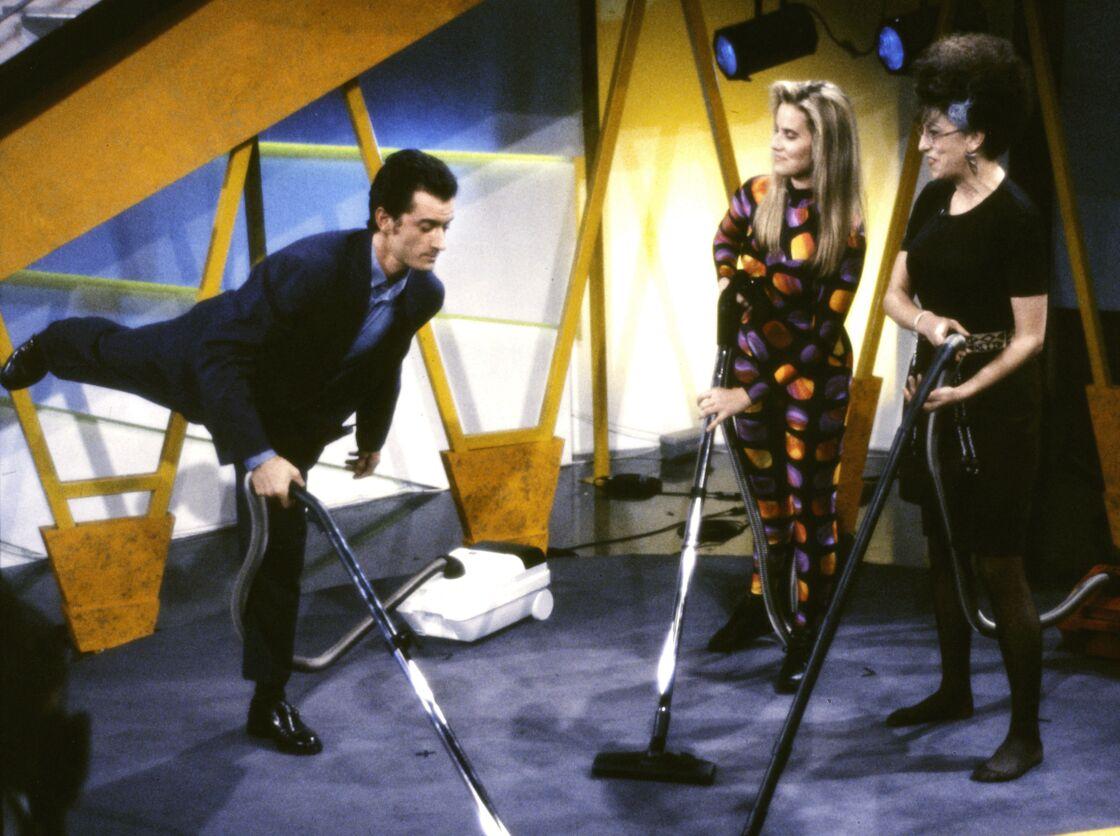 Christophe Dechavanne, Anémone et Sophie Favier sur le plateau de l'émission