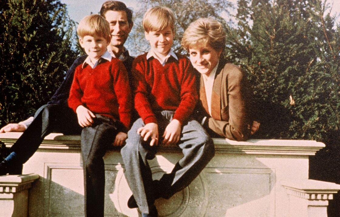 Diana, Charles, et leurs enfants William et Harry, le 4 février 1991