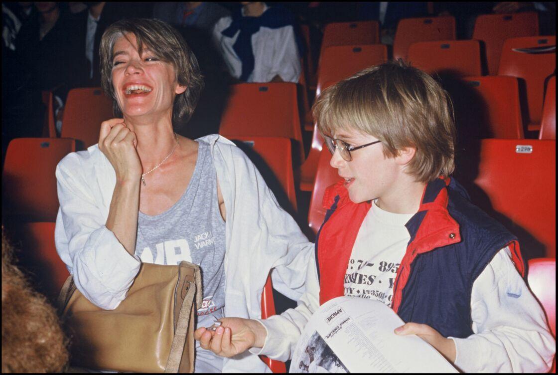 Françoise Hardy et son fils Thomas, lors d'un concert au Zénith en 1984.
