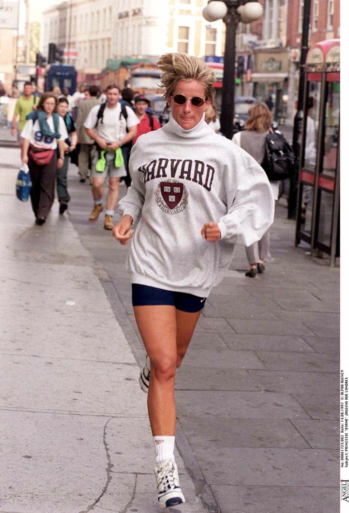 La princesse Diana avec son fameux cycliste pour faire son jogging