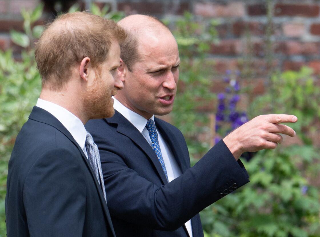 William et Harry réunis pour inaugurer la statue hommage à Diana, le 1er juillet 2021.