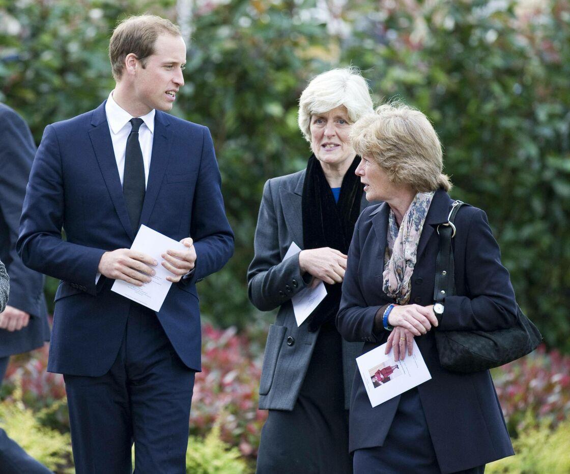 Le prince William aux cotés de Lady Sarah et Lady Jane en octobre 2012