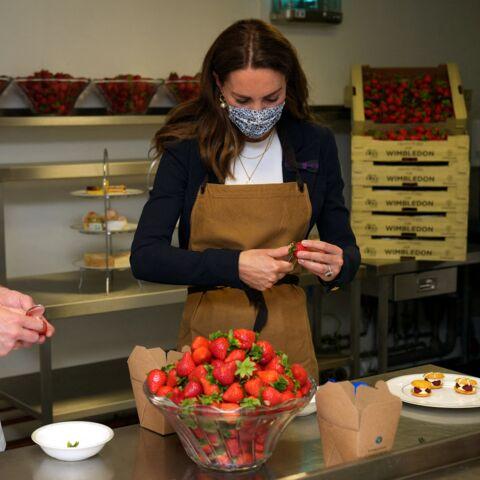 PHOTOS – Kate Middleton: élégante pâtissière à Wimbledon…