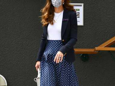 PHOTOS - Kate Middleton brille à Wimbledon en jupe plissée et veste navy