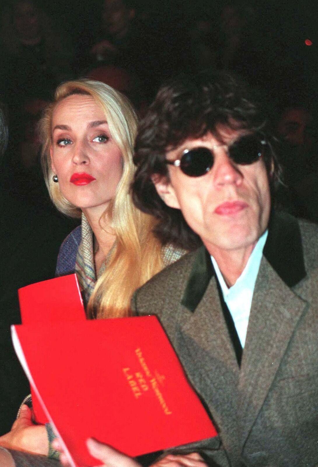Mick Jagger et Jerry Hall le 26 février 1997 à Londres