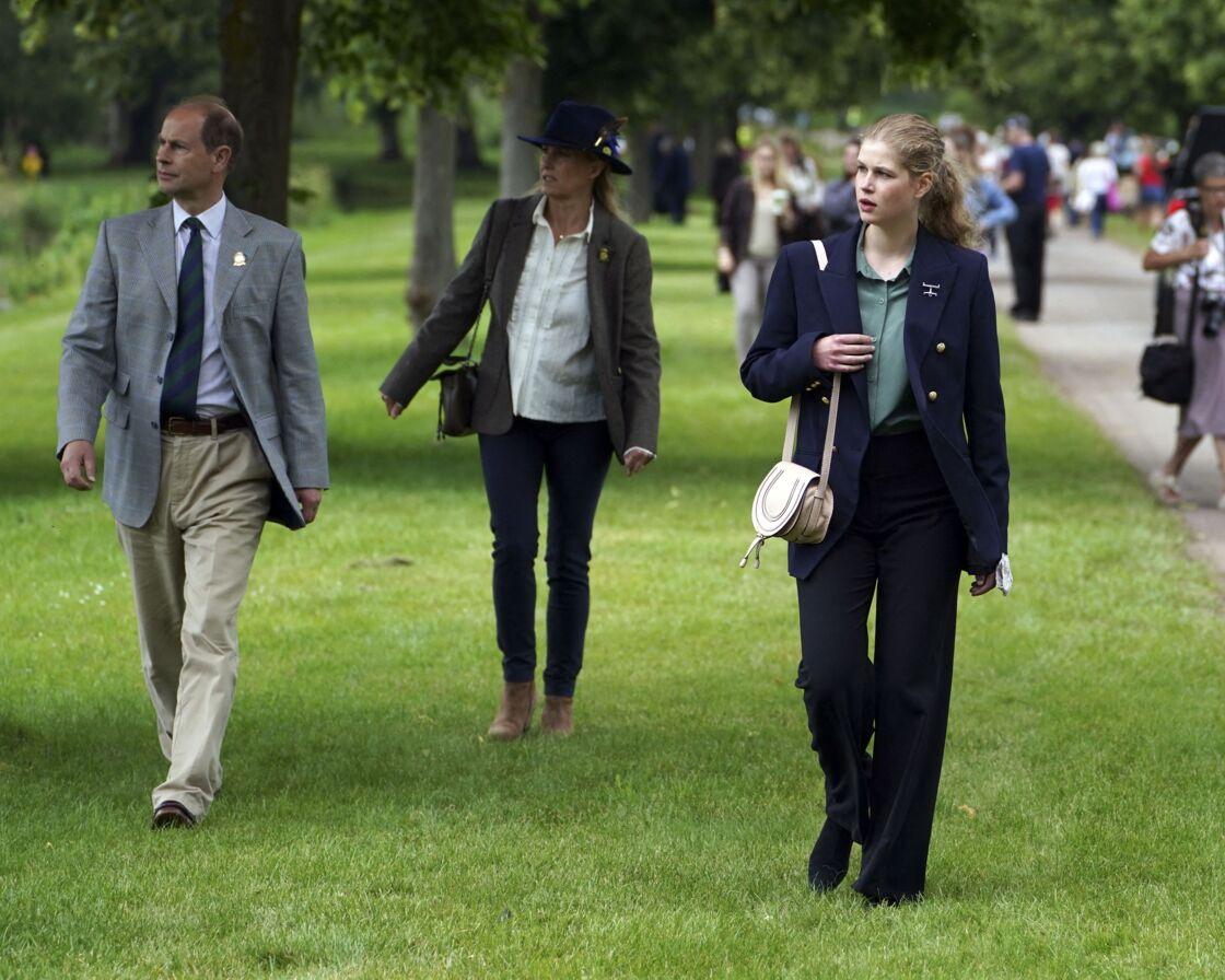 Lady Louise avec ses parents au Royal Windsor Horse Show