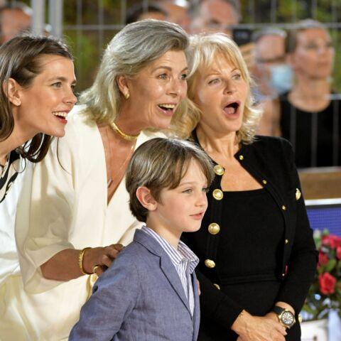 PHOTOS – Charlotte Casiraghi: rare apparition avec son fils Raphaël et sa mère Caroline aux cheveux gris
