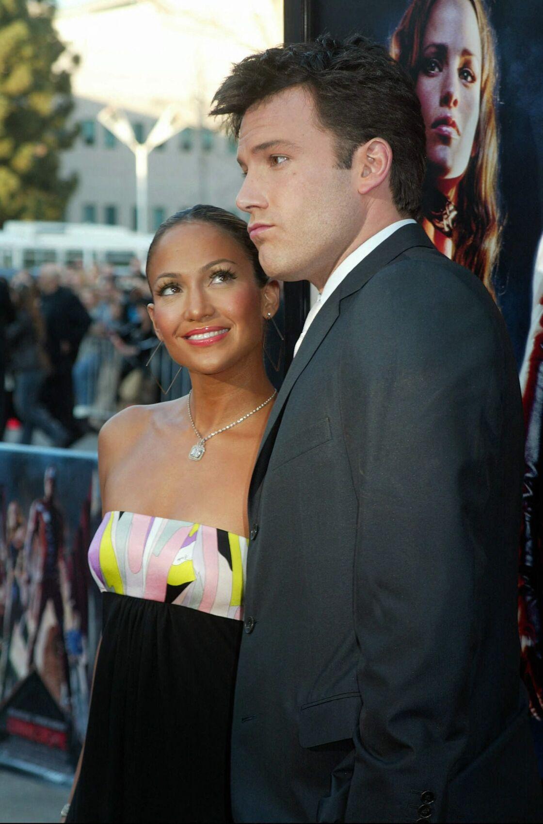 Ben Affleck et jennifer Lopez assistent à la première du film