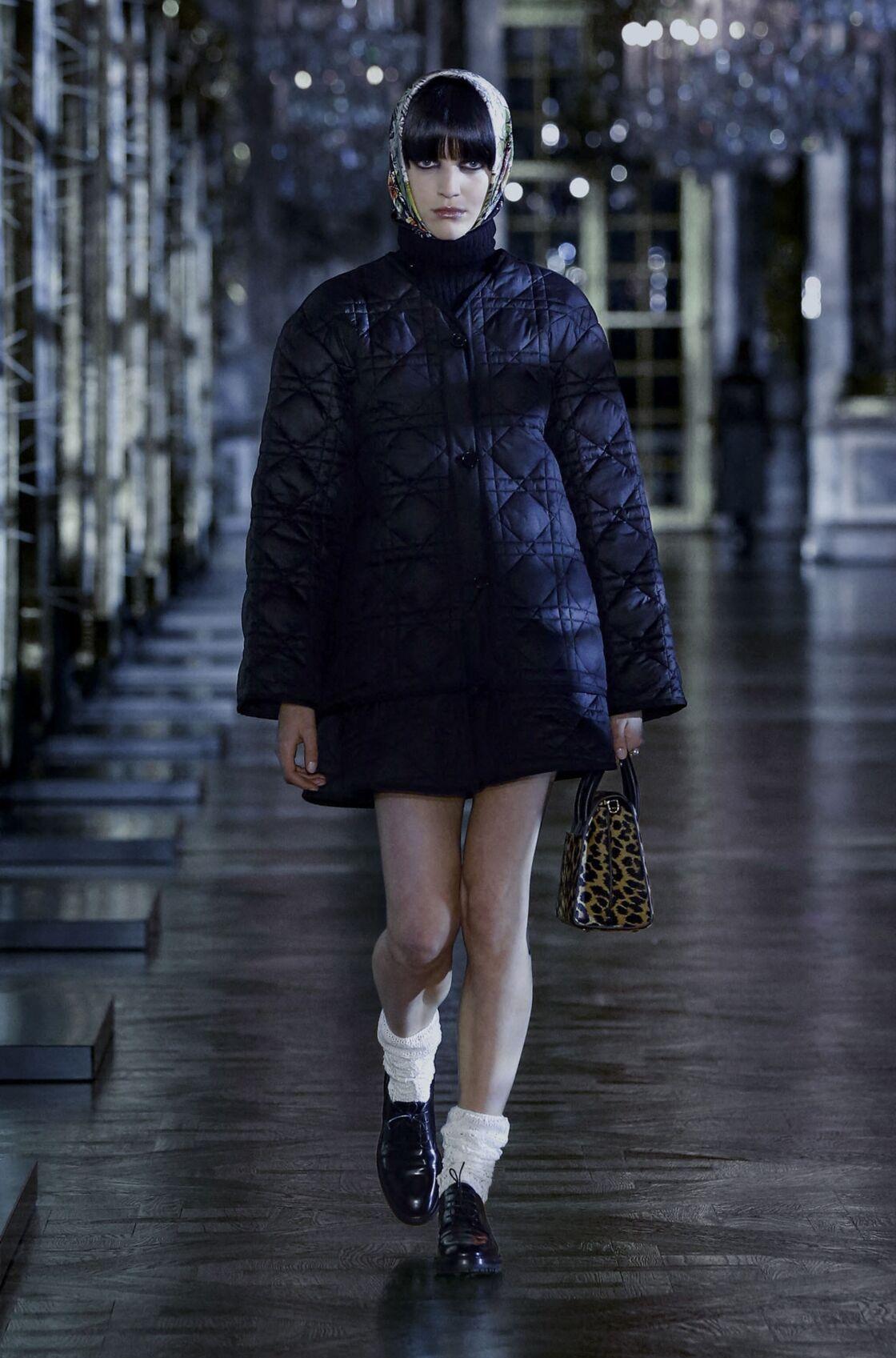 Le manteau matelassé chez Christian Dior cet Automne Hiver 2021-2022