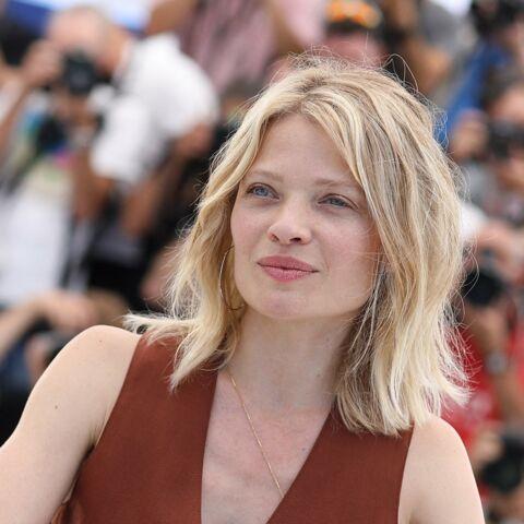PHOTOS – Cannes 2021: Mélanie Thierry craque pour les cheveux blonds les plus tendances de l'été