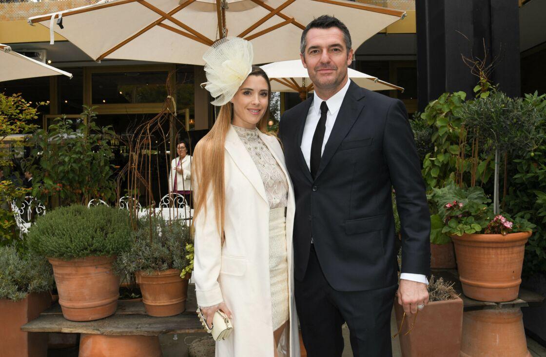 Arnaud Ducret et sa femme Claire Francisci - People au Qatar Prix de l'Arc de Triomphe sur l'hippodrome de Longchamp à Paris le 6 octobre 2019.