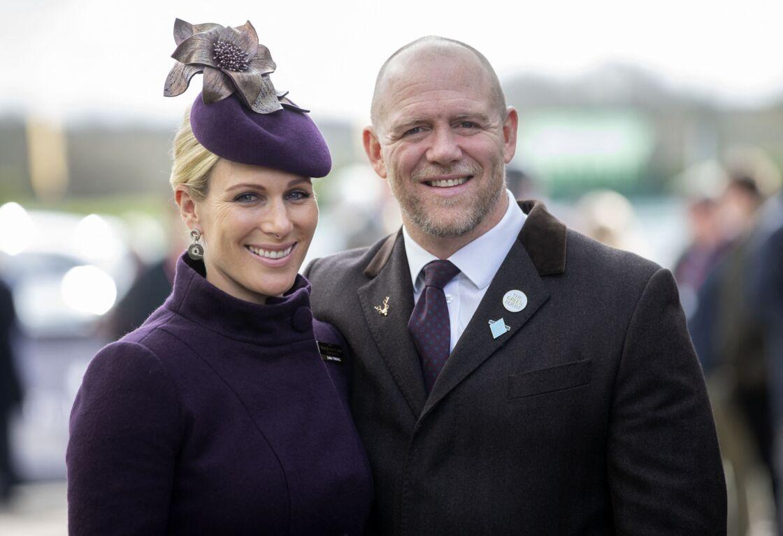 Zara Phillips et son mari Mike Tindall arrivent au Festival Cheltenham, le 13 mars 2020.