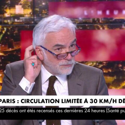 «Vous faites la réponse!»: discorde entre Elisabeth Lévy et Pascal Praud